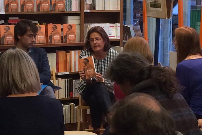 Caroline Larroche est une auteure spécialisée dans le livre d'art